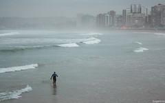 El mal tiempo no es excusa. Gijn. (Eugercios) Tags: espaa rain weather lluvia spain espanha europa europe surf gijn chuva asturias rainy tiempo asturies xixn astrias