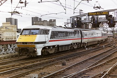 BRITISH RAIL 91010 (bobbyblack51) Tags: station electric design all glasgow transport central bobo class 1993 british locomotive railways 91 types gec of 91010