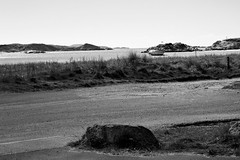 BWJPG---IMG_6495 (r4ytr4ce) Tags: ireland blackandwhite beach landscape 50mm boat eire donegal ire trchonnaill