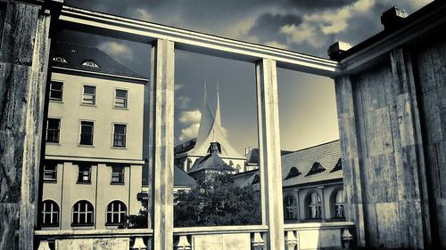 Kostel sv. Kosmy a Damiána, pohled z Palackého náměstí