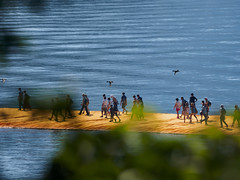 De lons (Riccardo Palazzani - Italy) Tags: sulzano iseo lake floating piers christo jeanne claude opera darte arte art bridge people