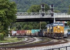 CSX Q136 Viaduct Junction (DFaustAltoona) Tags: csx q136 3027 cumberland md keystone sub