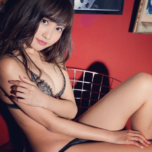 gravure girl Japanese cute