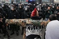 HoGeSa-Proteste in Hannover und Gegenproteste, 15.11.2014 (felix.huesmann) Tags: demo is state islam nazis protest hannover demonstration hanover rightwing isis staat islamic gegen hooligans neonazis hools islamischer salafisten salafismus hogesa nohogesa
