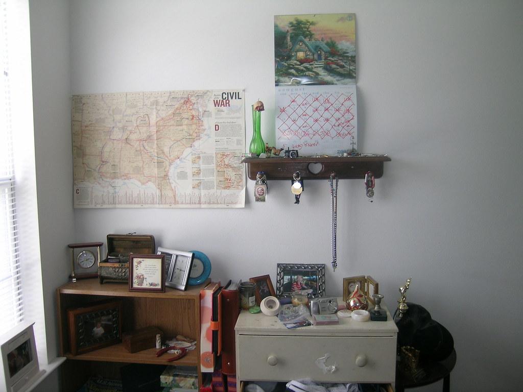 Dresser Side Of The Wall Evamadera Tags Room Bookshelf