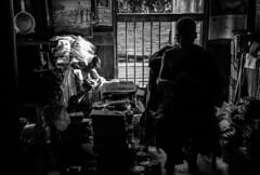 Rincn de lectura en Bagaya (guillenperez) Tags: white black blanco ava contraluz reading book inn asia burma buddhist negro libro monk buddhism read monastery wa myanmar southeast monasterio lectura monje teak budismo teca budista leyendo inwa sudeste asiatico birmania bagaya