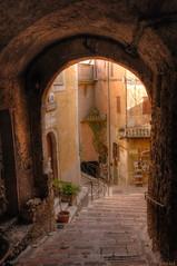 ruelle provenale (dominiquesainthilaire) Tags: nikon nikond80 cteazur frenchriviera village roquebrune old ancient street paved pave steps escaliers worldtrekker
