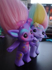 Twinzies! (meimi132) Tags: cute yellow star doll purple space adorable lilac galaxy troll medium hoshi stardust sherbert zelf shootingstar series4 zelfs galexia thezelfs shootingstarzelf galaxyzelf