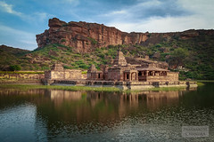 Badami #29 (:: p r a s h a n t h ::) Tags: badami 2014 hindutemples ancienttemples cavetemples rockcuttemples vatapi karnatakatemples chalukyaarchitecture medievaltemples badamicavetemples bhuthanathatemple
