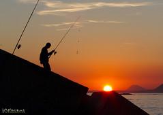 Goodbye, sun! ( alfanhu) Tags: sunset sun sol silhouette backlight contraluz fisherman dusk silueta puesta pescador villajoyosa lavilajoiosa capvespre