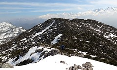 Sierra del Cuera (Begoa Fernndez) Tags: mountain snow hiking nieve asturias caminar montaa senderismo semanasanta cima mountaineers picosdeeuropa montaeros sierradelcuera elmazucu cabezaubena