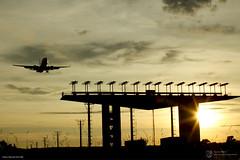 Pouso (DECEA OFICIAL) Tags: brazil braslia brasil airplane fly avio amanhecer ils voo aeronave cindactai meiosdenavegaoarea fotofabiomaciel