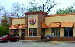 Burger King, Lake Geneva Wisconsin (Cragin Spring) Tags: usa building car wisconsin awning midwest unitedstates unitedstatesofamerica fastfood mcdonalds hamburgers burgerking burgers wi lakegeneva lakegenevawi southernwisconsin lakegenevawisconsin