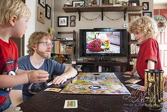 151/366 (grilljam) Tags: spring seamus ewan 4yrs 366days 65yrs keytothekingdom familygameday boardgameday may2016 ewanlovesthisgame