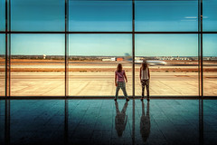 Departure (Chrisnaton) Tags: window kids airplane airport gate arrive departure takeoff palme