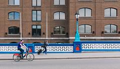 On the right (lorenzoviolone) Tags: england london lamp bike bicycle towerbridge walking cycling unitedkingdom streetphotography finepix fujifilm biker streetphoto traveling fujiastia100f mirrorless streetphotocolor fujix100s x100s fujifilmx100s travel:uk=londonapr16