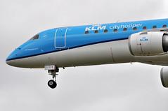 KL1029 AMS-LHR (A380spotter) Tags: landing approach finals shortfinals threshold undercarriage landinggear nosegear embraersa embraerempresabrasileiradeaeronauticasa ejet 190 190lr erj190 100lr erj190100lr phezl zl334 klmcityhopper klc wa klmroyaldutchairlines klm kl kl1029 amslhr runway27l 27l london heathrow egll lhr