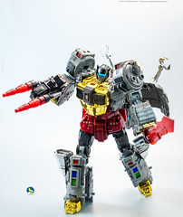 TW_Grimlock (Weirdwolf1975) Tags: podcast slag transformers roar sludge muddy swoop snarl spear grimlock dinobots toyworld tfylp irondreg grimshell