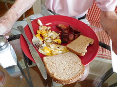breakfast (Just Back) Tags: morning food chicken coffee breakfast menu table pig bacon yummy dad fat toast father sunday egg knife cook plate fork meat pork eat enjoy eggs taste crumbs fried tisch consume protein yolk teller eier overdone
