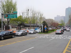 Samil-daero (Travis Estell) Tags: korea seoul southkorea jongno republicofkorea jongnogu gyeongundong   samildaero  gyeongun