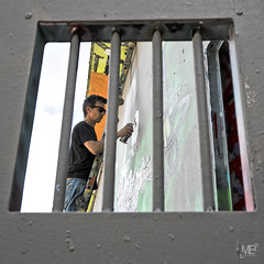 derrire les barreaux DxOFP XT1+XF16-55_DSF2052 (mich53 - Thanks for 2700000 Views!) Tags: fujifilm xt1 xf1655mmf28rlmwr graffpark manteslaville graffitizm 2016 art graff tag artiste iledefrance evnement street spraypaint sprhfarbe barreaux barren bars prison prisoner gefangene behindbars hantergittern explore graffiti