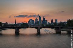 Frankfurt am Main Skyline (Marc Wildenhof) Tags: frankfurtammain hessen deutschland de skyline sonnenuntergang brcke bridge wolkenkratzer canoneos6d germany