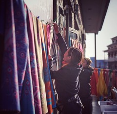 @Work (ckyen.rm) Tags: china selling fabric female young day outdoors sony leica a7ii noctilux