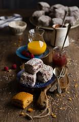 IMG_9365_exp (Helena / Rico sin Azcar) Tags: lamington vanilla vainilla mermelada chocolate jam coconut coco australia bizcocho
