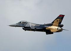F16 Falcon (Bernie Condon) Tags: tattoo plane flying fighter martin display aircraft aviation military jet airshow f16 falcon strike bomber lockheed turkish gd warplane ffd fairford 2014 riat taf airtattoo riat14