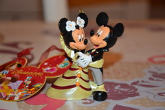 Figurine Mickey and Minnie Wedding (Girly Toys) Tags: minnie et mickey disney mouse souris collection figurine wedding figure mariage heart coeur ornement suspension missliliedolly miss lilie dolly aurelmistinguette girly toys collectible girlytoys