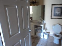 2014-12-06 - Vacation Village at Parkway - Timeshare bathroom (zigwaffle) Tags: 2014 florida fun december vacationvillage timeshare kissimmee bathroom