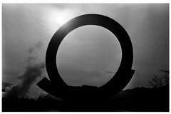 Penrose sculpture (bc50099) Tags: park leica sculpture white black beautiful silhouette america 35mm colorado trix 15 springs nikkor rodinal f25 m4 degrees celsius semistand
