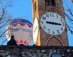 IMG_3395 - Mondov - Mongolfiere  (serie di foto) (RXecoGRFTO) Tags: balloons ballons mongolfiere mondov torrebelvedere 27radunointernazionaledellemongolfiere