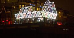 Amsterdam (Te leo al s ) Tags: bridge sculpture holland water amsterdam night puente noche canal agua europa europe nacht escultura holanda kanaal brug channel beeldhouwkunst paises bajos nerderlands