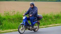 Cyclomoteur (claude 22) Tags: bretagne tour 2016 abva vehicule ancien old car vintage classic classique motorbike motocycle motos twowheels deuxroues motorcycle motocicleta motorrad bromfiets     tdb claude22 bike moto