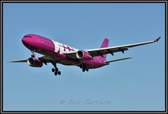 EC-MIN WOW air (without right winglet) (Bob Garrard) Tags: wow europa air airbus winglet a330 bwi kbwi ecmin
