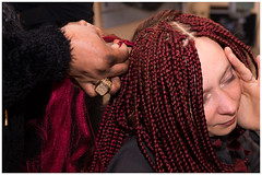 Painful_DSC06547 (devos.ch312) Tags: african hairdresser hairsalon hairstyle afrobraids