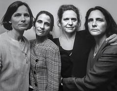 "Nicholas Nixon's ""The Brown Sisters 1998"" (Greatest Paka Photography) Tags: brownsisters nicholasnixon series photography sisters museumofmodernart museum sanfrancisco sfmoma blackandwhite"