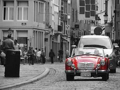A Life with style (Nefi M A S) Tags: red bw car rojo nikon belgium style estilo belgica brujas clasico elegancia desaturado selectivo
