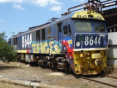 slowly decaying (sth475) Tags: old railroad electric train spring sydney railway loco australia nsw locomotive veteran mitsubishi decayed 鉄道 機関車 comeng 8644 chullora 86class cl627a mb485bvr