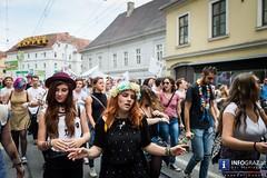 Parade zum Christopher Street Day in Graz (info-graz) Tags: street new york juni und day im von christopher 11 menschen parade demonstration fest graz queer fr gleichstellung feier 2016 volksgarten christopherstreetday lesben homosexuell rechte strasen schwulen ausgrenzung frhliches gleiche vielfalt diskriminierung transsexuell rechtliche bisexuell polizeigewalt polizeischutz csdparade tummelplatz gedenktag gesellschaftliche intersexuell csdgraz2016 stonewallaufstand zielpublikum