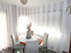"Cortinas de salón • <a style=""font-size:0.8em;"" href=""http://www.flickr.com/photos/67662386@N08/15032278694/"" target=""_blank"">View on Flickr</a>"