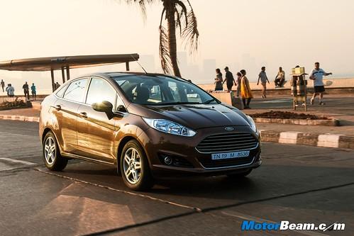 2015-Ford-Fiesta-Long-Term-12