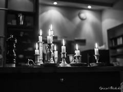 Candles in a Bar (Ineound) Tags: leica light bw berlin monochrome bar silver four lumix restaurant blackwhite high f14 spiegel low olympus panasonic iso ii micro pro sw nik blau schwarzweiss summilux blick asph dg omd thirds 25mm schlesisches m43 mft em5 efex 25mmf14 microfourthirds 43 spiegelblickde lumix25mmf14 hx025e spiegelblickde