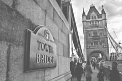 english nostalgia (RalRuiz) Tags: greatbritain inglaterra england london blancoynegro thames towerbridge puente unitedkingdom londres urbana tmesis edicin reinounido granbretaa