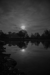 Water reflection (Jannis1999) Tags: mond wasser refelction skyporn