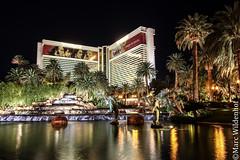 Mirage / Las Vegas / Nevada / USA (Marc Wildenhof) Tags: usa america lights nightshot lasvegas nevada architektur mirage amerika gebude lichter nachtaufnahme miragehotel themirage angestrahlt