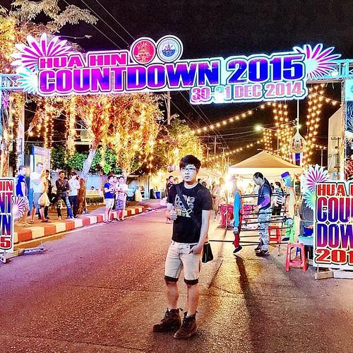 ผมนี่อยู่งาน Count Down Hua Hin 2015 คร้าบ...