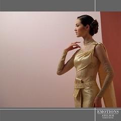 ในทุกๆลายละเอียดของชุดไทย ต้องอาศัยฝีมือการตัดเย็บ แพทเทริน์ การจัดเดรป วัสดุที่ดีและเทคนิคการปัก ทั้งหมดคือหนึ่งในเอกลักษณ์ของห้องเสื้อ อีโมชั่นส์ สนใจลองชุด โทรนัดหมายล่วงหน้าเท่านั้น ☎️02 938 2671,2 (ซ.34 ถ.ลาดพร้าว จันทร์เกษม จตุจักร กทม.) #emotionsat