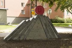 Lithium Pill (Steffe) Tags: art sweden haninge handen aluminium lithium betong litium uglycute jonasnobel eskilsstrket grundmne lithionit